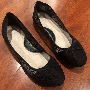 BRAND NEW Flats by Sketchers Black Lace